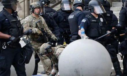 เจ้าหน้าที่ตำรวจ 2 คนที่เมือง Buffalo, New York ถูกจับแล้ว