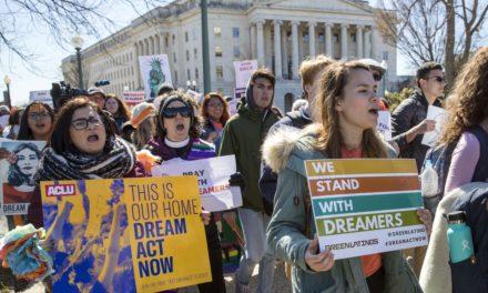 (คลิป) ศาลฎีกาสหรัฐ US Supreme Court จะตัดสินความของ DACA ในวันสองวันนี้
