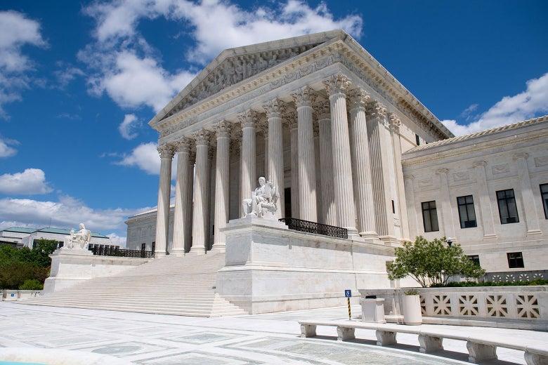 ผู้พิพากษาปฏิเสธการยื่นเสนอของทรัมป์เพื่อยกเลิกกฎหมายเขตรักษาพันธุ์ของรัฐแคลิฟอร์เนีย