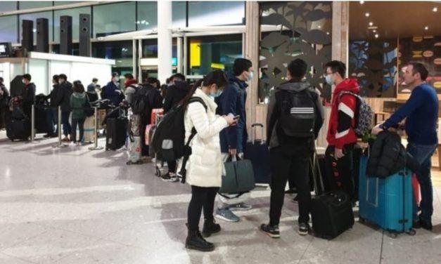 คนไทยในอังกฤษ เรียกร้องรัฐบาลส่งเที่ยวบินมารับกลับเพิ่ม ขณะหัวหน้าพรรคก้าวไกลนำเรื่องเข้า กมธ.