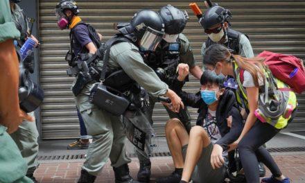 (คลิป) วันแรกที่จีนนำกฎหมายความมั่นคงแห่งชาติของจีนมาใช้กับประชากรฮ่องกง ตำรวจออกจับกลุ่มต่อต้านกว่า 300 คน