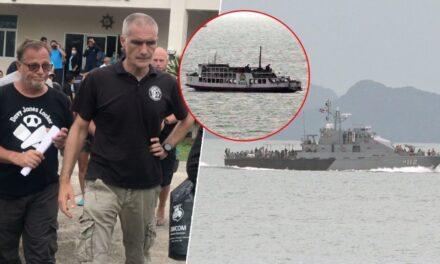 (คลิป) เจอแล้วเรือเฟอร์รี่อับปาง พบหงายท้องจมทะเล เฮ นักดำน้ำดังช่วยหมูป่าร่วมหาคนหาย