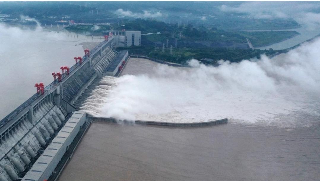 จีนระทึก เขื่อนสามผาเร่งระบายน้ำ รับมือน้ำไหลเข้าสูงสุดเป็นประวัติการณ์