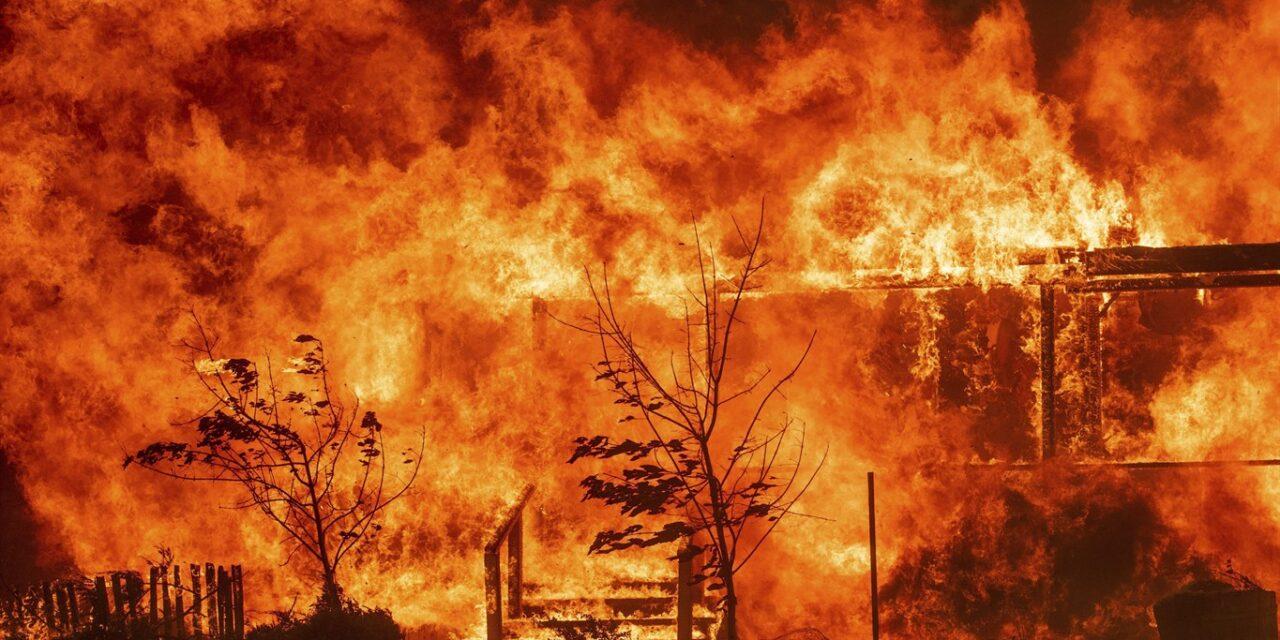 เพลิงไหม้แคลิฟอร์เนีย 367 จุด เสียชีวิตในกองเพลิง 23 คน