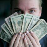 เงิน $600 พิเศษต่อสัปดาห์ของ Federal Unemployment มีความสำคัญอย่างไร