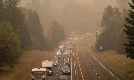 สหรัฐฯระทึก คนกว่าครึ่งล้าน หนีไฟป่ารัฐโอเรกอน บ้านวอดแล้วหลายร้อยหลัง