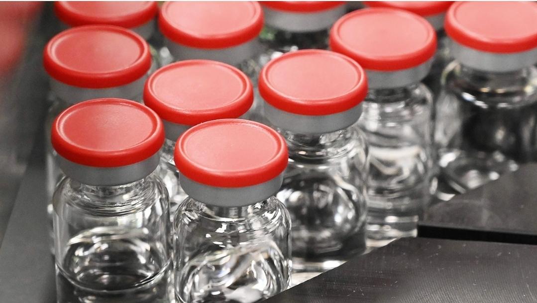 มหาวิทยาลัยออกซ์ฟอร์ดเดินหน้าทดสอบวัคซีนโควิดอีกครั้ง หลังคนไข้ป่วยจนต้องชะงัก