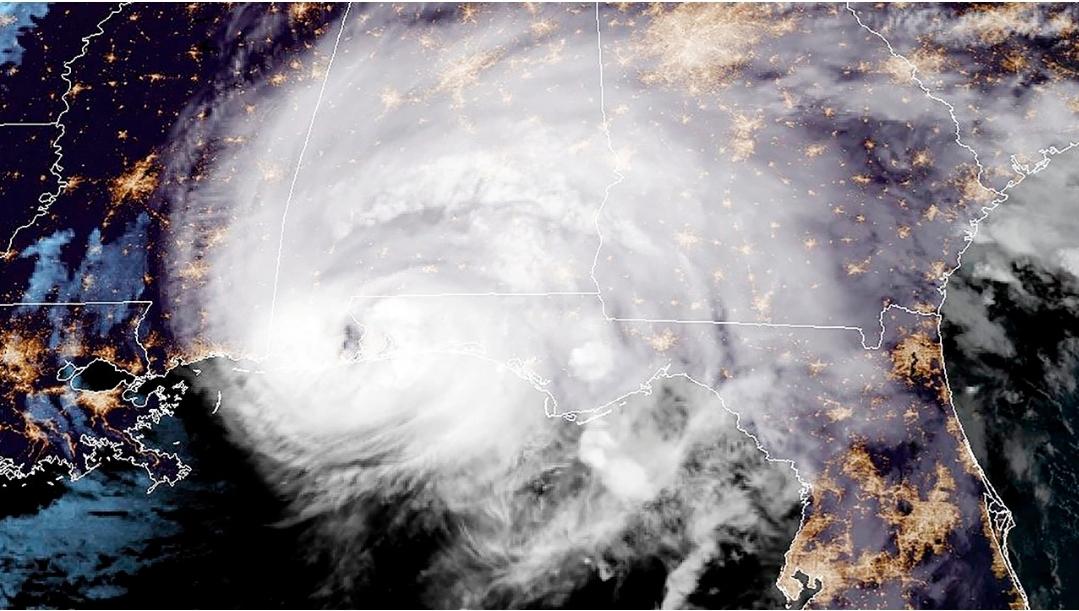 เฮอริเคน 'แซลลี' ขึ้นฝั่งสหรัฐฯ ทำน้ำท่วมหนัก ไฟดับ 5 แสนหลัง