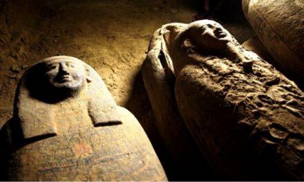 อียิปต์ตะลึง ขุดพบโลงไม้มัมมีโบราณ 27 โลง ฝังใต้ดินนานกว่า 2,500 ปี