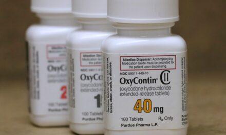 ผู้ผลิต OxyContin จะสารภาพผิดในข้อหาทางอาญาของรัฐบาลกลาง จ่ายเงิน 8 พันล้านดอลลาร์และจะปิดบริษัท