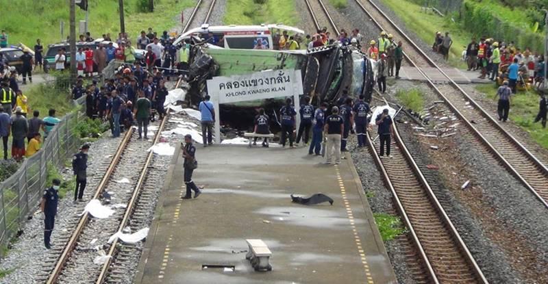 เปิดใจ ผู้รอดชีวิต บนรถบัสถูกรถไฟชน