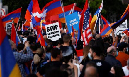 การประท้วงต่อต้านความรุนแรงในเมือง Nagorno-Karabakh ยังคงดำเนินต่อไป ชาวอเมริกันเชื้อสายอาร์เมเนียเรียกร้องให้สหรัฐฯเข้าแทรกแซง