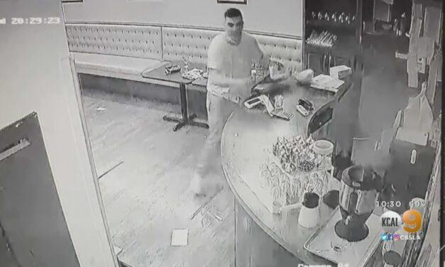ชายหนุ่มชาวอามีเนี่ยนหลายคนบุกเข้าทำลายข้าวของในร้านอาหาร Istanbul ของชาว Turkish ในเมือง Beverly Hills