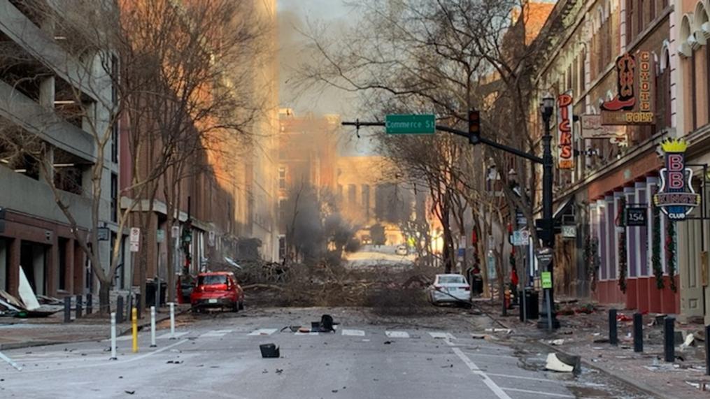 """เช้าวันคริสต์มาสราวเวลา 6.30 เกิดการระเบิดอย่างรุนแรงในแนชวิลล์ ตำรวจ: เชื่อว่าเป็น """"เจตนา"""""""