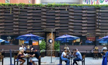 ร้านอาหารในลอสแองเจลิสชนะการต่อสู้ในชั้นศาลเกี่ยวกับการปิดบริการเสริฟอาหารกลางแจ้ง