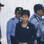 5 เรื่องน่ารู้ของพัค กึน-ฮเย อดีต ปธน.หญิงคนแรกของเกาหลีใต้
