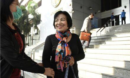 หญิงไทยรับโทษจำคุก 43 ปีฐานดูหมิ่นกษัตริย์ไทย