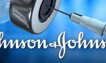 Johnson & Johnson ประกาศผลของวัคซีนฉีดครั้งเดียวว่าสามารถป้องกัน COVID-19 ได้ แต่ไม่สามารถป้องกันได้เช่นเดียวกับคู่แข่งที่ฉีดสองครั้ง