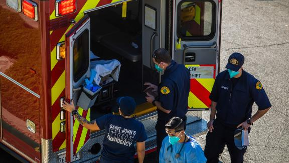 ในแอลเอเคาน์ตี้ ทีมงานรถพยาบาลใด้คำแนะนำที่น่ากลัวจากเคาน์ตี้