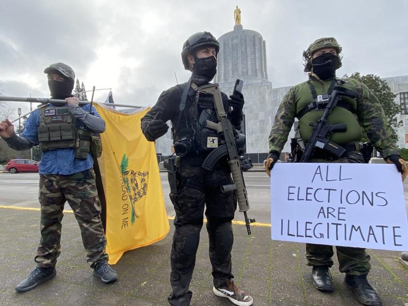 การประท้วงที่เมืองหลวงของหลายรัฐของวันอาทิตย์นี้ มีผู้ประท้วงหลายคนพร้อมอาวุธ