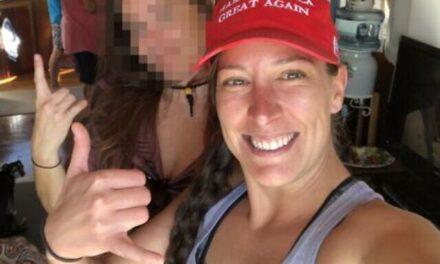 Ashli Babbitt สาววัย 35 ปีจาก San Diego คือบุคคลที่ถูกยิงและเสียชีวิตเมื่อบ่ายวันพุธระหว่างผู้ก่อการจลาจลโปรทรัมป์
