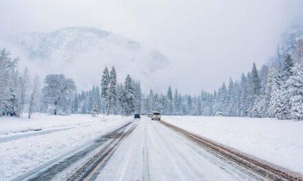 พายุฤดูหนาวมาถึง SoCal ระดับหิมะลดลงถึง 2,000 ฟุตและภูเขาจะได้รับ 6 ถึง 10 นิ้วในชุมชนบนภูเขาและเชิงเขา