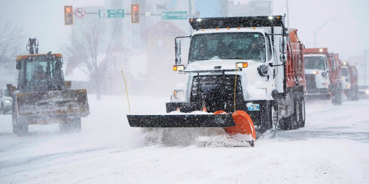 พายุหิมะถล่มหลายรัฐของสหรัฐจากเท็กซัสถึงนิวยอร์กพายุลูกที่สามจะมาวันนี้