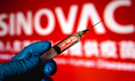 ประเทศไทยอนุญาตให้ใช้วัคซีน COVID-19 ของ Sinovac ในกรณีฉุกเฉิน