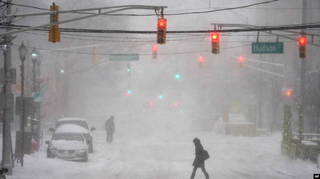 พายุหิมะถล่มภาคตะวันออกสหรัฐฯ ตั้งแต่บอสตันถึงดีซี