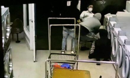 การโจมตีที่น่าตกใจซึ่งมีเป้าหมายเป็นชายชาวเอเซียสูงอายุในร้านซักผ้าที่ชายแดน Nob Hill / ไชน่าทาวน์