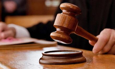 ศาลไทยอนุมัติหมายจับนักเคลื่อนไหวที่ถูกกล่าวหาว่าเผาพระบรมฉายาลักษณ์ของกษัตริย์