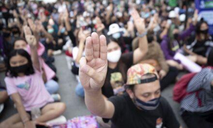 เมืองไทยต้องการขยายเรือนจำเพื่อจับนักโทษการเมืองให้ได้มากขึ้น