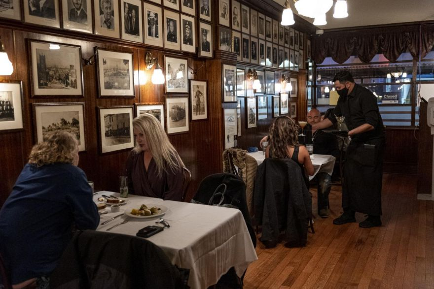 แอลเอเคาน์ตี้จะเปิดร้านอาหารในร้าน โรงยิม โรงภาพยนตร์อีกครั้งในวันจันทร์