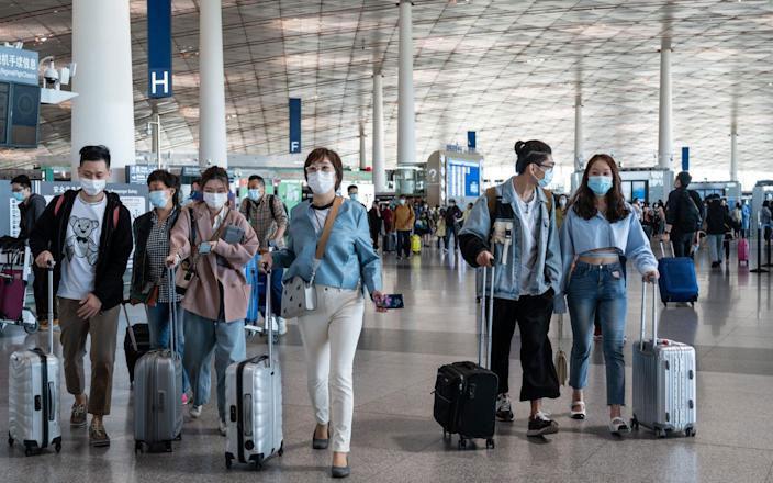 ชาวเอเชียที่ร่ำรวยบินมาสหรัฐฯเพื่อจัดทริป 'การท่องเที่ยวด้วยวัคซีน' ท่ามกลางการเปิดตัวฉีดโควิดวัคซีนที่เชื่องช้าที่บ้าน