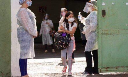 หลักฐานเด็ดลบคำปรามาส'ซิโนแวค' หลังฉีดวัคซีนจีนให้ชาวบ้าน 75% 'เมืองเซอร์รานา'ใช้ชีวิตได้แทบปกติ ขณะพื้นที่อื่นในบราซิล'โควิด'ยังสาหัส