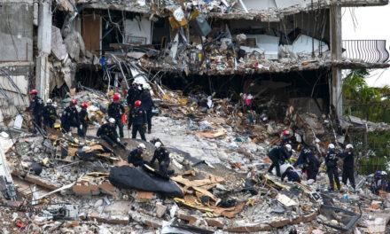 หัวหน้าทีมค้นหาและกู้ภัยของอิสราเอลที่คอนโดถล่มกล่าวว่าเขายังมีความหวังที่จะพบผู้คนที่ยังมีชีวิตอยู่