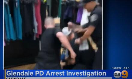 เจ้าหน้าตำรวจจาก Glendale แคลิฟอร์เนีย 4 คนถูกพักงานระหว่างสอบสวน หลังมีคลิปวิดีโอต่อยเตะระหว่างการจับกุมผู้ต้องสงสัยอายุ 17