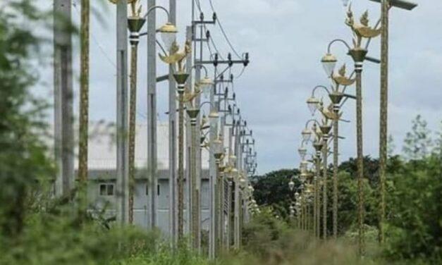 เรื่องอื้อฉาวไฟถนนของไทย: รัฐบาลท้องถิ่นอยู่ภายใต้การสอบสวนเรื่อง 'เงินใต้โต๊ะ'