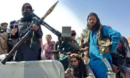 ตอลิบานยึดอัฟกานิสถานกลับคืนมาอย่างรวดเร็วได้อย่างไร? เกิดอะไรขึ้นตอนนี้?