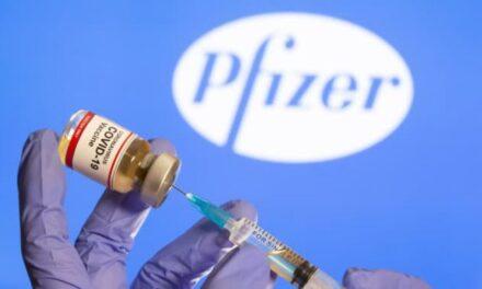 Pfizer-BioNTech สำนักงานคณะกรรมการอาหารและยา FDA ได้ออกตราประทับการอนุมัติเต็มรูปแบบ