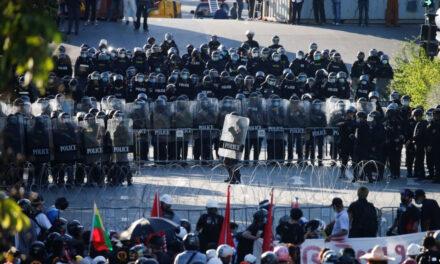 ชนยุค Gen Z ร่วมมืออดีตผู้นำกลุ่มเสื้อแดงเดินหน้าต่อต้าน พลเอก ประยุทธ์ จันทร์โอชา